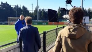 Mark Flekken laat zich niet gek maken bij het Nederlands elftal: 'Ik heb hier geen tolk nodig'