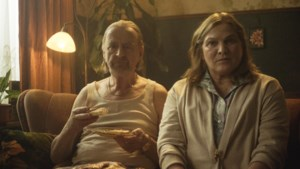 Klinkende namen als Frank Lammers en Anneke Blok in aftrapfilm van reeks 'Onze Straat'