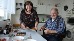Een appeltaartje tegen eenzaamheid: 'Ik ben een einzelgänger die van een beetje ouwehoeren houdt'