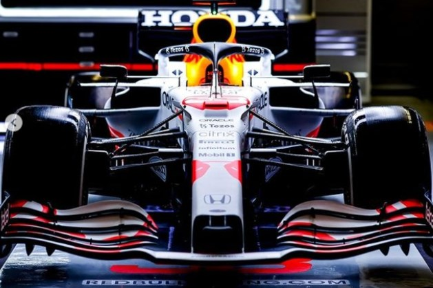 Foto's: Dit is de nieuwe auto van Max Verstappen