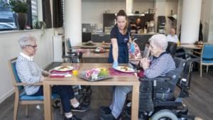 Wat krijg je in het verpleeghuis te eten? Ietje (88) en Sibilla (82) uit Venlo: 'Het is net een sterrenrestaurant'