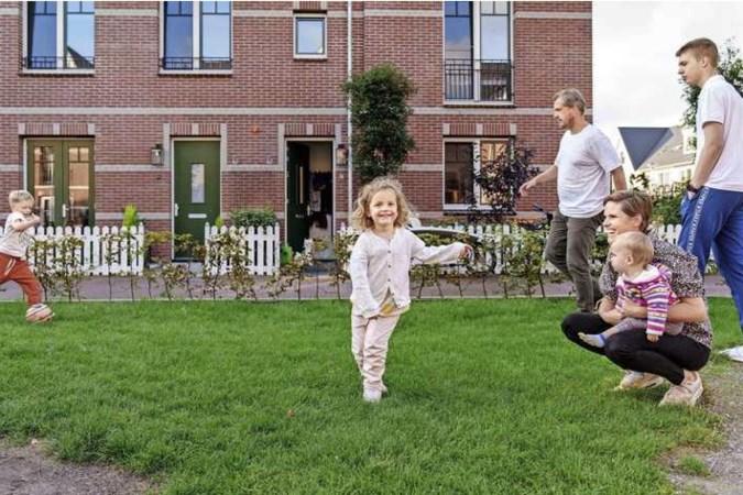 Lange wachtlijst kinderopvang dwingt ouders minder te gaan werken