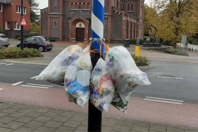 Beek wil met gratis kroonringen gevaarlijke verkeerssituaties door wegwaaiende PMD-zakken tegengaan