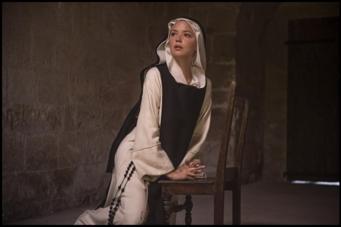 Film 'Benedetta' van Paul Verhoeven: dubbelzinnige thriller binnen kloostermuren