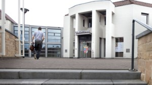 College Beekdaelen teruggefloten: balies Schinnen en Schinveld mogen nog niet definitief gesloten worden