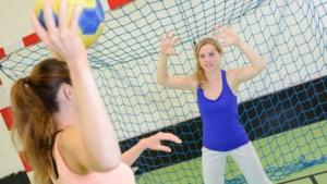 Dames B1 van handbalvereniging NOAV zoekt keeper met 'handen en benen als tentakels'