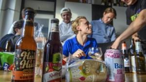Studenten Maastricht testen alcoholvrij bier: 'Punica, cassis, vloeibaar rubber'