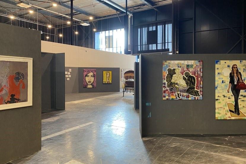 Designer Outlet Roermond krijgt tijdelijk grootste kunstgale... - De Limburger