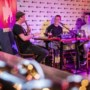 Glazen Café Beek FM verhuist naar Asta Theater