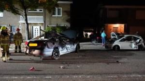 Enorme ravage na aanrijding tussen twee auto's in Landgraaf