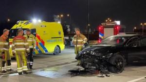 Auto's botsen in Urmond: één bestuurder mee met politie, ander naar ziekenhuis