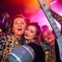 Meer dan 1000 Limburgse dames staan in Melkweg Amsterdam op tegen borstkanker