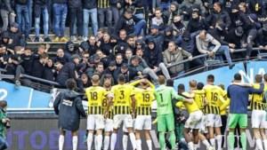 Tribune in De Goffert bezwijkt onder feestende Vitesse-fans