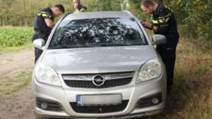 Twee verdachte voertuigen aangetroffen in buitengebied Hunsel