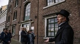 Petrus Regout wandelt door Maastricht, dat zonder hem een 'armzalig plaatsje' was geweest