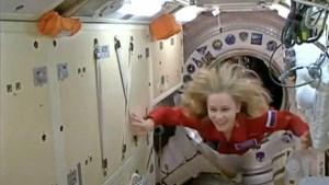 Filmopnames klaar, Russische actrice keert terug uit de ruimte