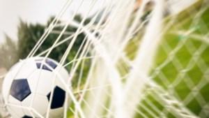 Amateurvoetbal: Eys zegt nul vaarwel, Maastricht-West doet wat stand verplicht