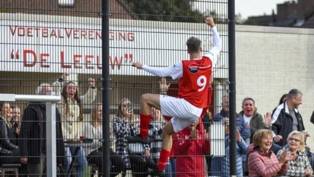 Amateur voetbalcompetitie Parkstad: Negenklapper voor De Leeuw en derby tussen Sportclub'25 en Schaesberg eindigt in burenruzie. EHC wacht nog steeds op eerste overwinning