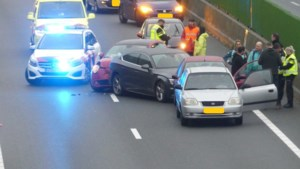 Veel fileleed in ochtendspits op Limburgse snelwegen door kettingbotsingen en pechgeval