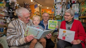 Voorleesboekje in Roermonds en Echter dialect is populair en gaat geregeld op reis door heel Nederland