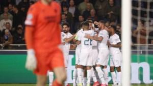 Belgische fan (63) in levensgevaar na aanval op parkeerplaats omdat hij Manchester City-sjaal draagt