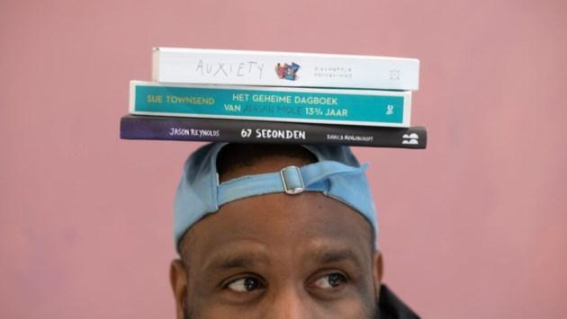 De Weddenschap daagt jongeren uit binnen zes maanden drie boeken te lezen