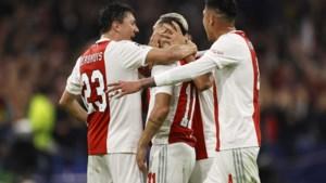 Ajax haalt in Champions League met 4-0 uit tegen Dortmund