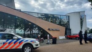Onderzoek naar cocaïnehandel in pand Beek, omgeving wordt bewaakt door zwaarbewapende agenten
