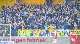 Uitzinnige sfeer bij thuiswedstrijden VVV: 'Dit is misschien nog wel mooier dan destijds in Duitsland met 75.000 fans op de tribune'