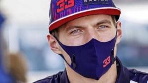 Mercedes houdt huis in eerste training, Max Verstappen derde