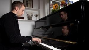 Nog voor de albumrelease van Jan Bunel uit Weert vragen mensen al om bladmuziek van zijn pianonummers