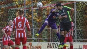 Amateurvoetbal Parkstad: Schinveld gaat voor vijfde winst op rij;  EHC hoopt op eerste driepunter; broederstrijd in Vierde klasse B