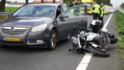 Motorrijder raakt zwaargewond bij ongeluk op A2; traumaheli landt op snelweg