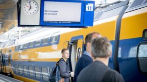 Werk aan het spoor tussen Roermond en Weert tijdens herfstvakantie