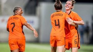 Oranje Leeuwinnen leven zich uit op Cyprus: 0-8