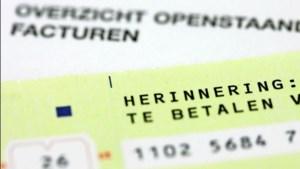 Mensen met schulden krijgen handgeschreven kaart van de gemeente: er is hulp, maar het is aan u om die aan te nemen