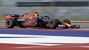 Verstappen in de clinch met Hamilton in tweede vrije training: 'Domme idioot'
