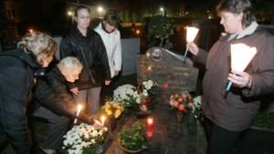 Lichtjesstoet naar begraafplaats Oostermaas gered