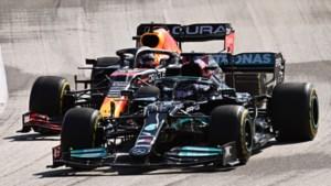 Max Verstappen wint na bloedstollende slotfase Grand Prix van Amerika en loopt uit op Lewis Hamilton
