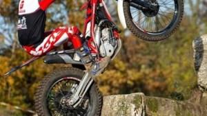 Trialmotorrijder Bart Verstappen (15) uit Roggel pakt in Baarlo Nederlandse titel bij de jeugd