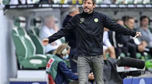 Mark van Bommel compleet overdonderd door ontslag bij Wolfsburg