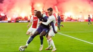Ajax deelt enorme dreun uit aan PSV