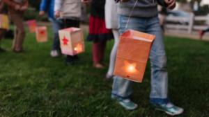 Sint Maarten-viering met lampionnenstoet en kampvuur in Echt