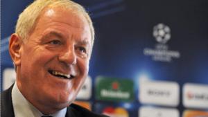 Schotse voetbalclub Rangers FC rouwt om overleden trainer Smith