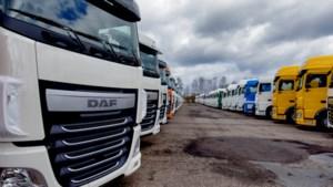 Moederbedrijf DAF maakt duizenden trucks minder door chiptekort