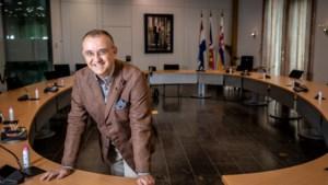 Burgemeester Jos Hessels woont eindelijk in Echt